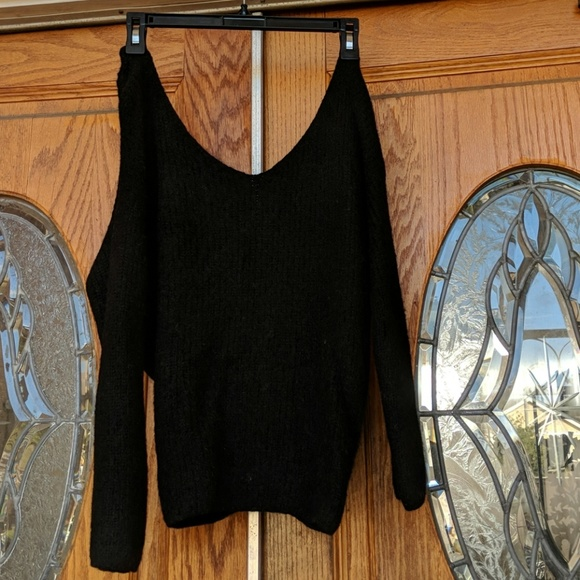Venti 6 Sweaters Off The Shoulder Vneck Sweater With Twisted Back